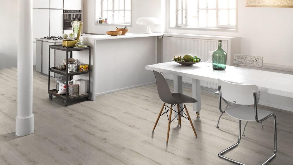In der Küche sind Fliesen besonders beliebt. Parador Modular ONE ist ein PVC-freier Designbelag der neuesten Generation. Bestens geeignet für die Küche